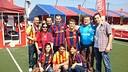 Un grupo de aficionados culés en la Zona Barça / FOTO: FCB