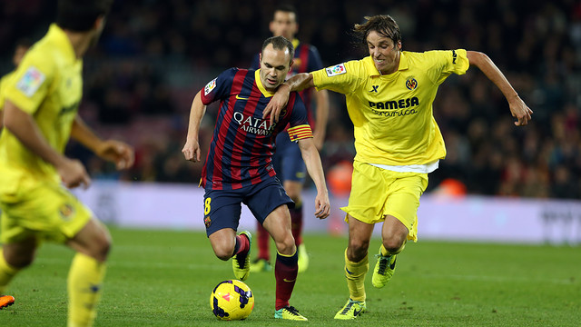 Iniesta vs Villarreal. PHOTO: MIGUEL RUIZ-FCB.