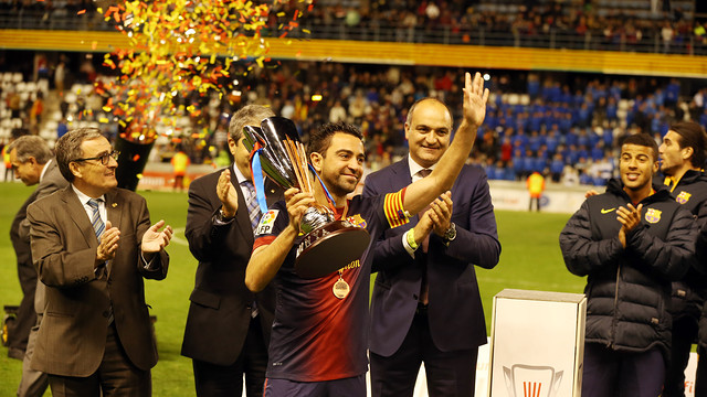 Xavi, with the catalan Cup 12/13.