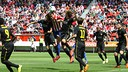 The Barça B defence try to block the ball PHOTO: SPORTING DE GIJÓN