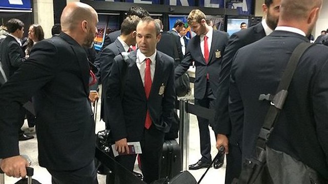 Iniesta during the trip to Brazil / PHOTO: sefutbol.com