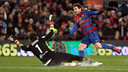 This year, Claudio Bravo will be on the same side as Leo Messi / PHOTO: MIGUEL RUIZ - FCB