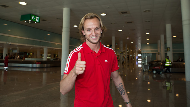 Rakitic at El Prat Airport / PHOTO: FCB
