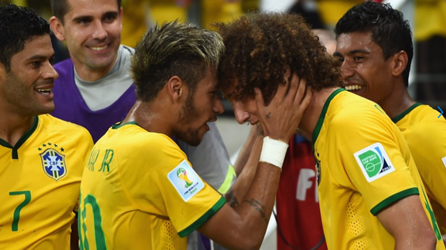Neymar Jr and David Luiz/ PHOTO: FIFA.COM