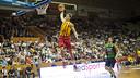 Hezonja esmaixa en el partit de la Lliga Catalana / FOTO: Arxiu FCB