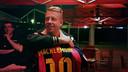Macklemore, amb la samarreta del Barça que li va donar Àlex Abrines / FOTO: FCB