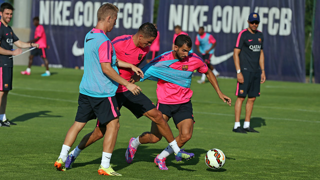 Afellay and Montoya / PHOTO: MIGUEL RUIZ-FCB.
