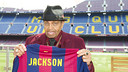 Joseph Jackson was given a personalised shirt when he visited the Camp Nou Lounge / PHOTO: VÍCTOR SALGADO-FCB