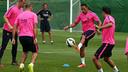 Adriano, durante un entrenamiento / FOTO: MIGUEL RUIZ-FCB