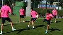 L'exercice du début d'entrainement. PHOTO: MIGUEL RUIZ-FCB.