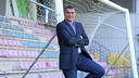 Faryd Mondragon respaldado en una porteria de la Ciudad Deportiva / FOTO: MIGUEL RUIZ-FCB