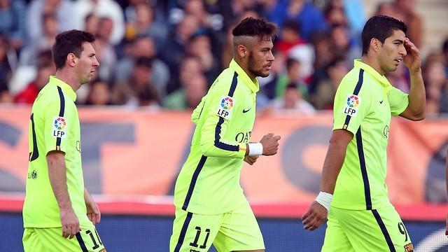 Neymar Jr em Almería, entre Messi e Suárez