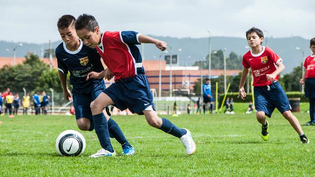 مدرسة نادي برشلونة FCBESCOLA Ipo-24.v1416327915