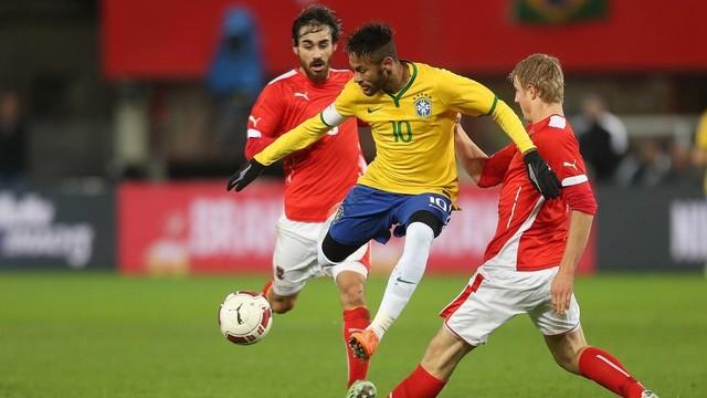 Neymar in action against Àustria / FIFA.COM