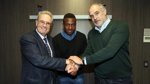 Silvio Elías, Adama Traoré and Andoni Zubizarreta at the signing / PHOTO: MIGUEL RUIZ-FCB