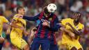 Gerard Piqué scores against APOEL / PHOTO: MIGUEL RUIZ - FCB