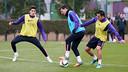 Bartra, Messi y  Xavi, en el entrenamiento de este miércoles. FOTO: MIGUEL RUIZ-FCB.
