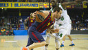 Marcelinho Huertas scored six three pointers in the third quarter / PHOTO: VÍCTOR SALGADO - FCB