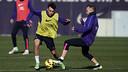 Iniesta et Munir, pendant un entrainement / PHOTO: ARXIU FCB