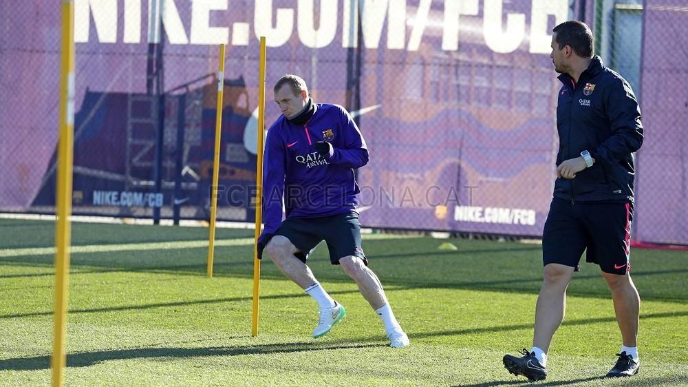 الدورة التدريبية الأخيرة لبرشلونة قبل مواجهة إلتشي Pic_2015-01-23_ENTRENO_09-Optimized.v1422013464