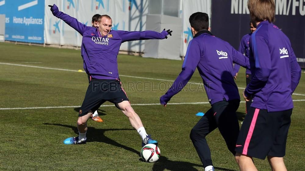 برشلونة يعود إلى التدريب غداة الفوز في سان ماميس Pic_2015-02-09_ENTRENO_24-Optimized.v1423487274