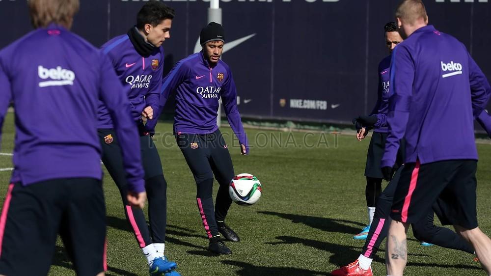 برشلونة يعود إلى التدريب غداة الفوز في سان ماميس Pic_2015-02-09_ENTRENO_22-Optimized.v1423487269