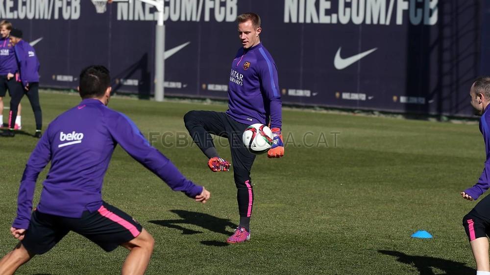برشلونة يعود إلى التدريب غداة الفوز في سان ماميس Pic_2015-02-09_ENTRENO_27-Optimized.v1423487278