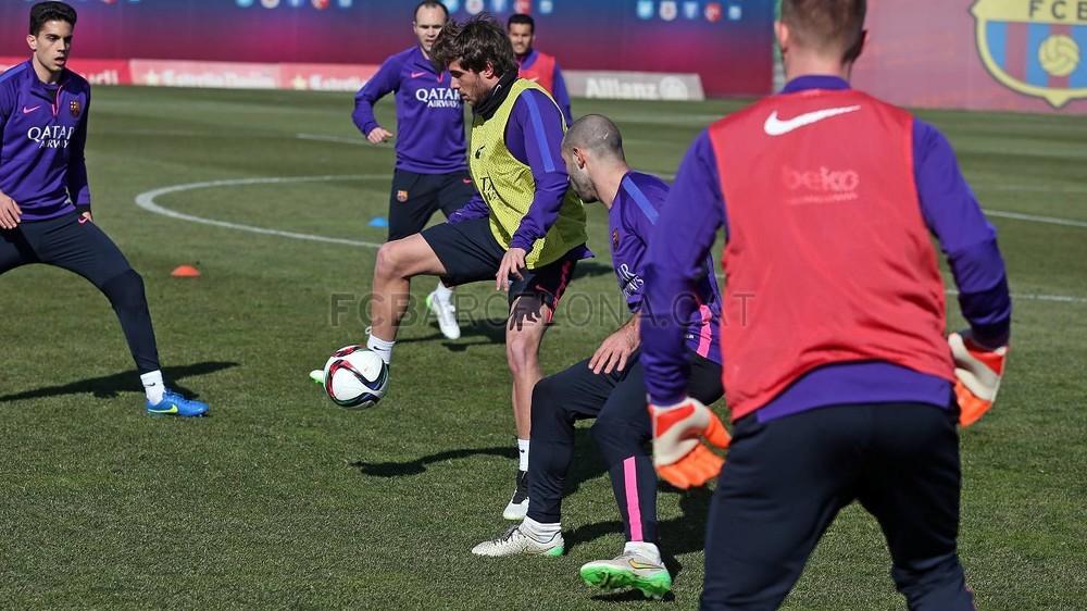 برشلونة يعود إلى التدريب غداة الفوز في سان ماميس Pic_2015-02-09_ENTRENO_34-Optimized.v1423487291