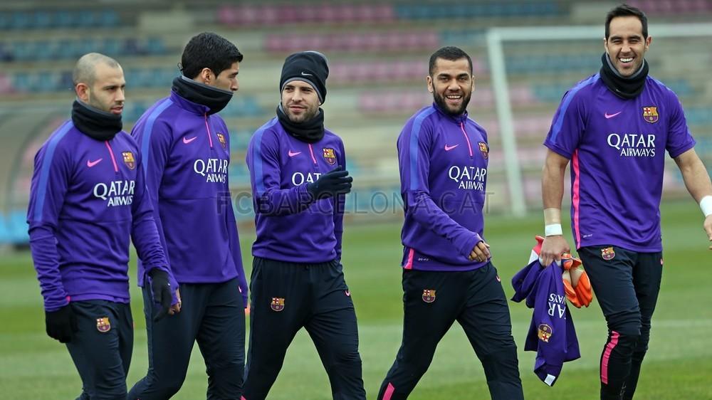 صور : برشلونة يستعد لمواجهة ليفانتي في غياب انيستا Pic_2015-02-14_ENTRENO_02-Optimized.v1423914811
