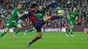 Pedro provided the assist for Messi to score against Levante / MIGUEL RUIZ-FCB