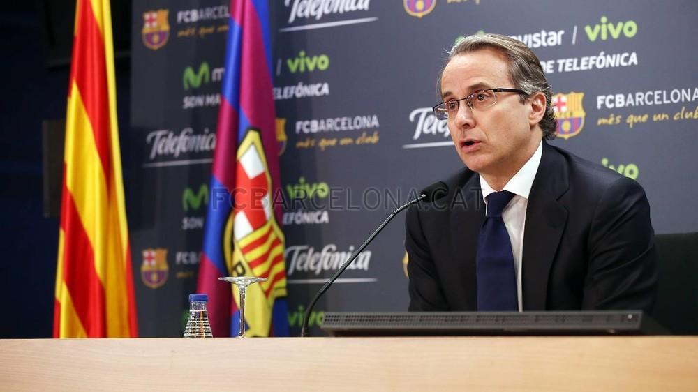 بالصور والفيديو  : لاعبو برشلونة يعلنون عن عقد بث مباريات الفريق للموسم المقبل Pic_2015-02-18_ACUERDO_TELEFONICA_17-Optimized.v1424268345
