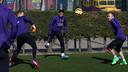 Ter Stegen, Pedro e Iniesta, en el entrenamiento / MIGUEL RUIZ-FCB