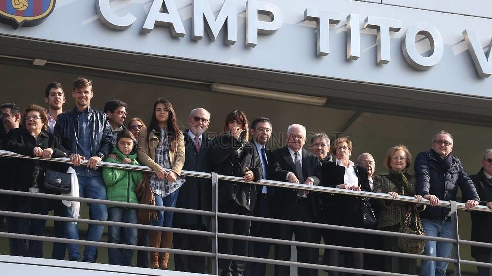 صور : نجوم برشلونة يستقبلون أسرة فيلانوفا في تدريبات اليوم MRG10093-Optimized.v1424430397