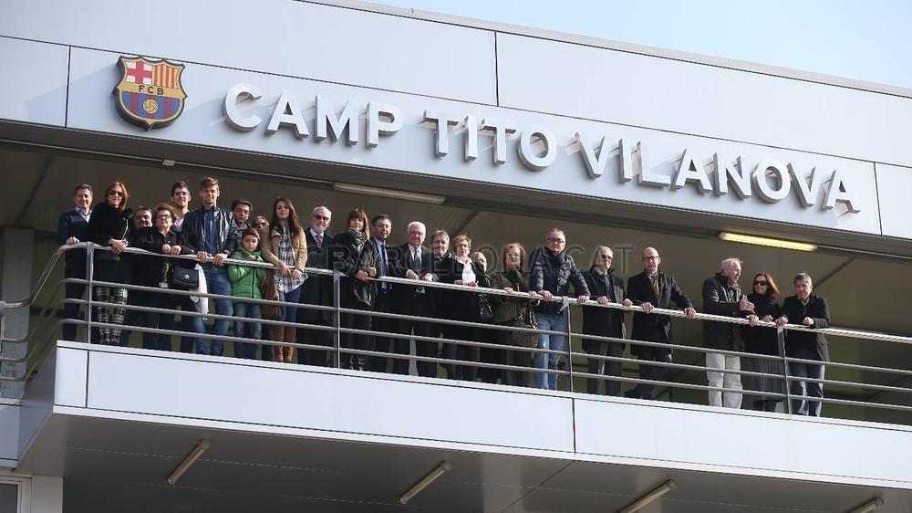 صور : نجوم برشلونة يستقبلون أسرة فيلانوفا في تدريبات اليوم MRG10101-Optimized.v1424430399