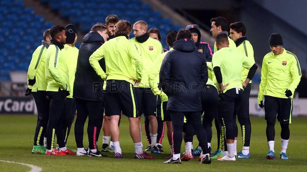 صور : أجواء رائعة في تدريبات برشلونة على ملعب الاتحاد MRG11941-Optimized.v1424722989
