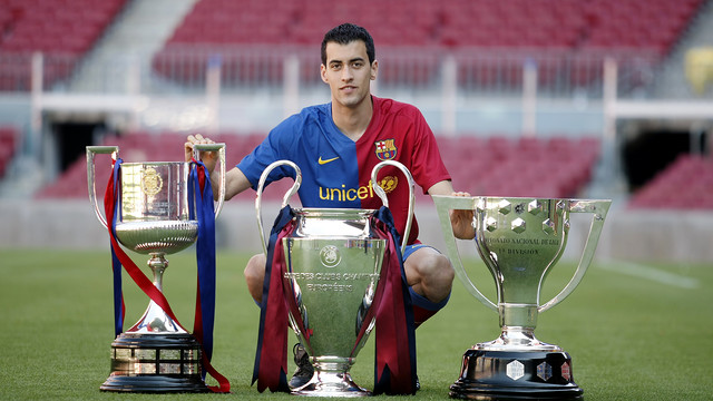 Sergio Busquets won La Liga, the Spanish Cup and the Champions League inl 2009 / FCB ARCHIVE