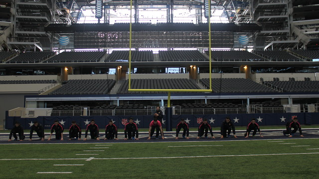 El Barça B va visitar l'estadi dels Dallas Cowboys de la NFL
