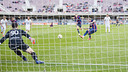 Gol de Patric de penal contra el Tenerife / VÍCTOR SALGADO-FCB