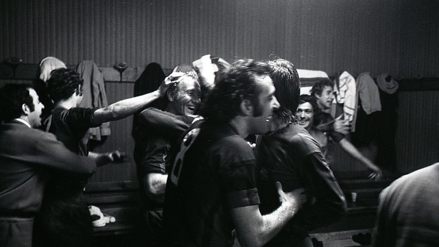 The players celebrating in the dressing room after the game / FCB Archive