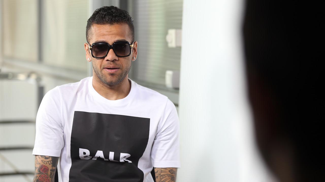 Dani Alves, en la entrevista a fcbarcelona.es
