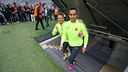 Claudio Bravo y Adriano, antes del entrenamiento / MIGUEL RUIZ - FCB