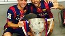 Xavi et Alves avec le trophée de la Liga / INSTAGRAM