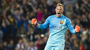Marc-André ter Stegen led FC Barcelona to the UEFA Champions League title in his first season with the Club. / MIGUEL RUIZ-FCB