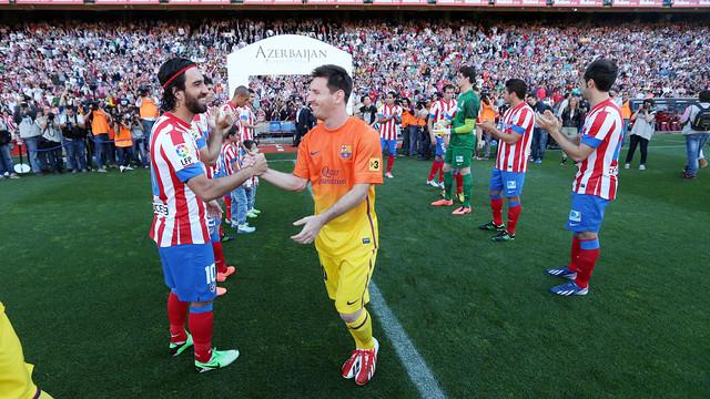 Arda Turan with Leo Messi / MIGUEL RUIZ - FCB