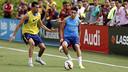 L'entrenament del Barça ha aixecat molta expectació entre el públic / MIGUEL RUIZ - FCB