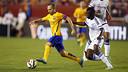 Iniesta in action against Chelsea / MIGUEL RUIZ-FCB