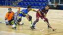 Panadero controla la bola. FOTO: V.SALGADO - FCB