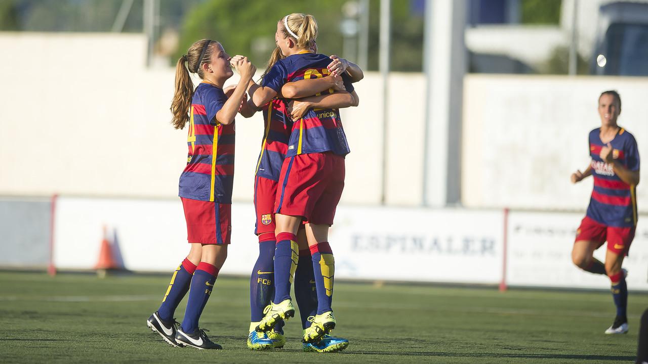 Irene Del Río, Alexia Putellas i Barbara celebrant el primer gol del partit / VICTOR SALGADO-FCB