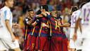 Les joueurs du Barça félicitent Vermaelen / MIGUEL RUIZ - FCB