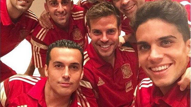 Bartra, amb Iniesta i Busquets a la selecció espanyola / @marcbartra